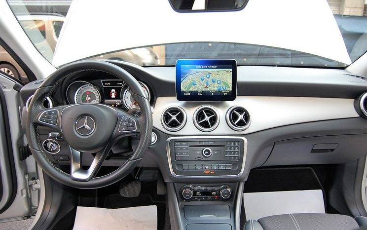 Mercedes Benz GLA 200 CDI Urban 7G-Tronic completo