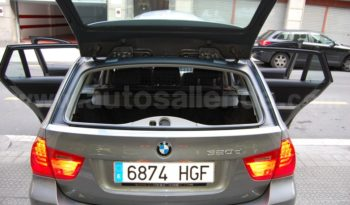 "BMW 320D STEPTRONIC 8 VEL. VOL.""M"" NAVI XENON 17″ lleno"