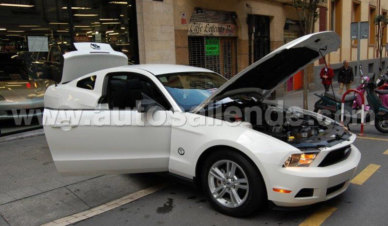 Ford Mustang V6 lleno