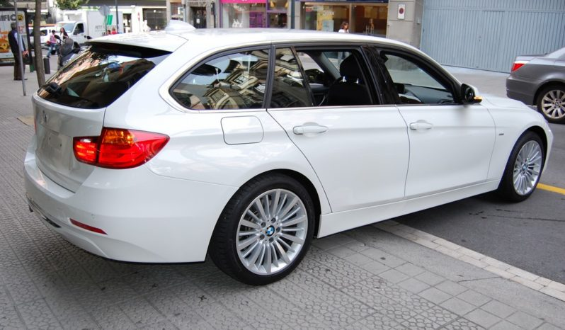 BMW 330D/A F31 TOURING LUXURY LINE 258 CV lleno