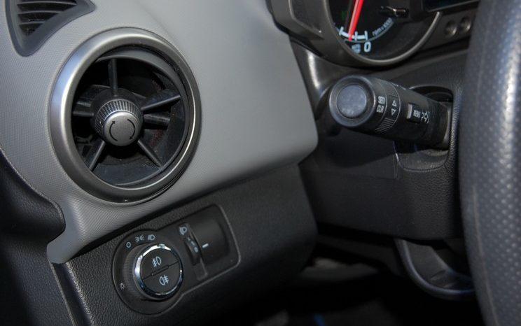 Chevrolet Aveo 1.2 LT 16v 17″ Navegador Camara lleno
